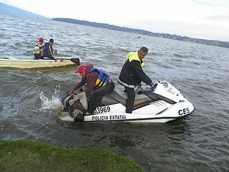 Rescatan segundo cuerpo de paseantes ahogados.