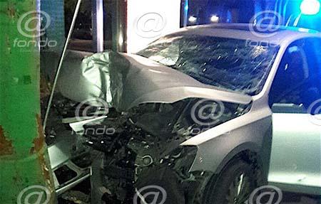 Sujeto muere al chocar auto robado en Naucalpan; policía que era su cómplice escapó