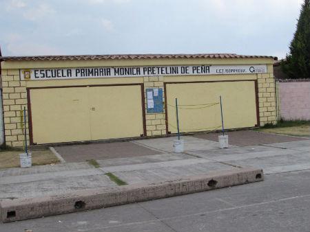 La escuela estableció un cerco sanitario.