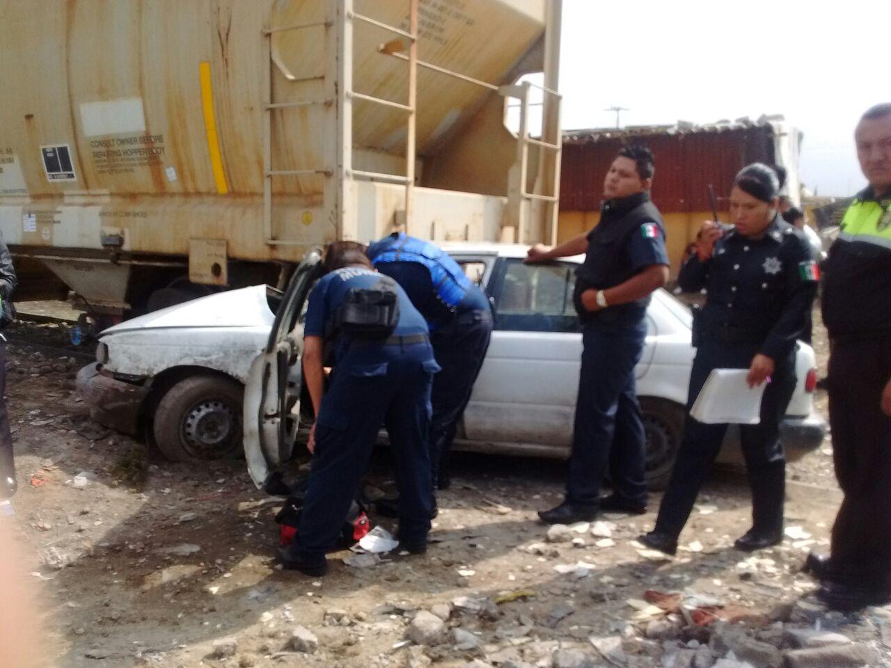 El imprudente conductor sobrevivió al choque.