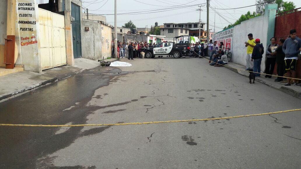 El chofer se dio a la fuga a bordo del camión.