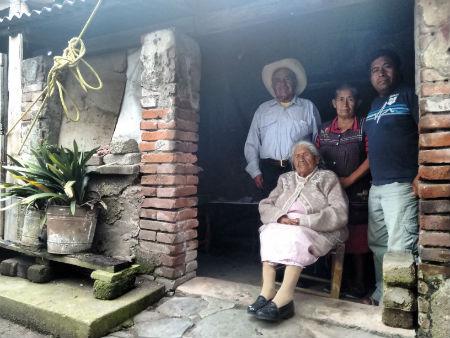 A pesar de su edad, doña Carmen no presenta enfermedades crónicas.