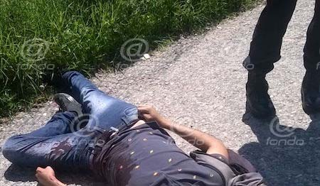 Joven muere frente a policías tras ser apuñalado durante un asalto en Atizapán