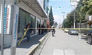 VIDEO: Capturan a ladrones que robaron 40 mil pesos a una mujer al salir del banco