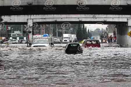 La avenida principal de Toluca se vio muy afectada.