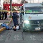 Pasajero muere en asalto a transporte público en Edomex; intentan linchar a ladrón