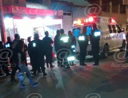 Policías afirmaron que la ambulancia tardó en socorrer al hombre.