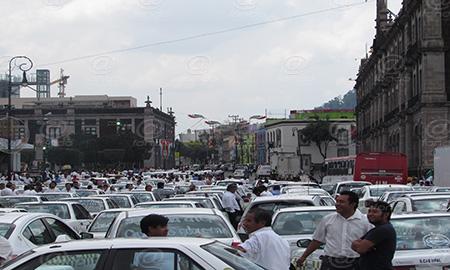 En varios puntos del estado hubo bloqueos de transportistas.
