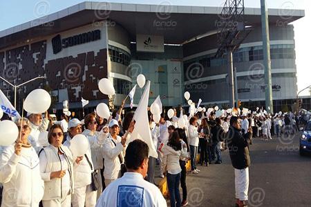 Alumnos de escuelas de la zona se sumaron a la protesta.