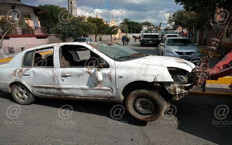 Ninguna de las víctimas pudo salir del auto.