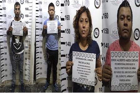Los detenidos fueron presentados ante la PGR.