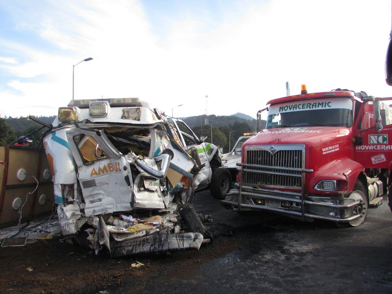 Los paramédicos iban a un curso a Toluca.