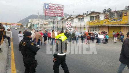 La protesta originó un severo caos vial.