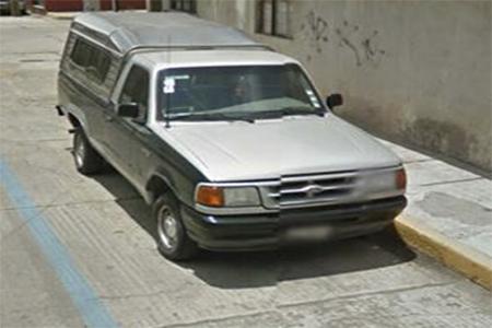 La camioneta fue abierta y robada en el atrio.