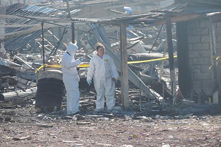 Peritos del Estado de México se encuentran trabajando en la zona.