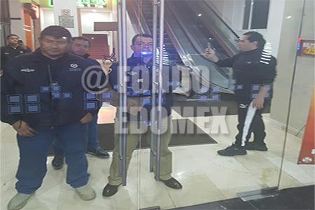 El personal fue retenido dentro de la plaza por orden de Vargas del Villar.