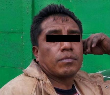 El hombre fue detenido durante el robo.