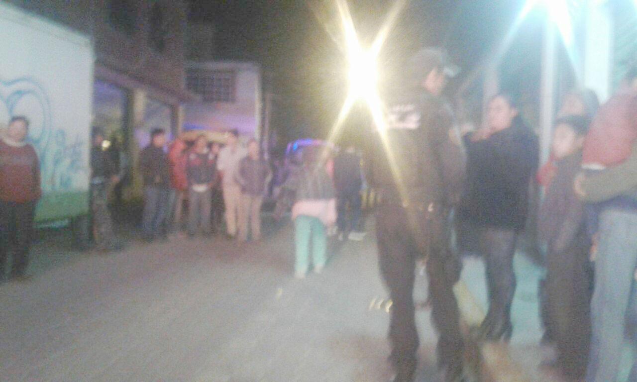 Vecinos solicitaron el apoyo de la policía.