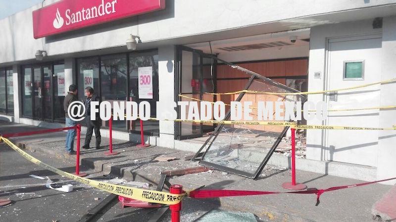 Fondo estado de m xico delincuentes derriban reja y for Cajeros automaticos banco santander